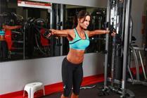 Вежби за тонирање на грбот со фитнес справи