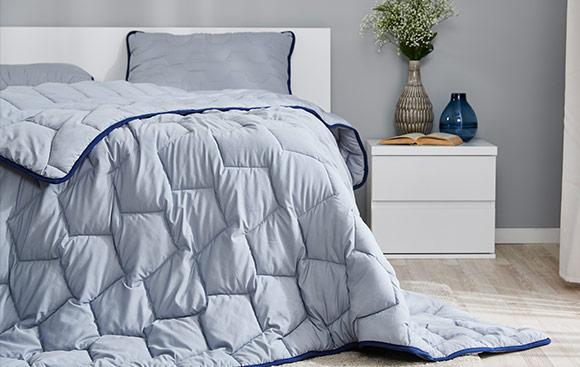 Dormeo AdaptiveGO Pillow and Duvet and A Reusable Bag Set